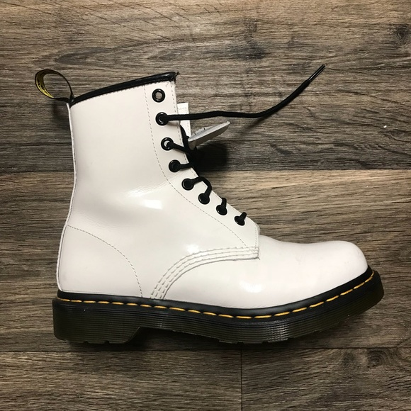 fashionable patterns incredible prices best selling Dr. Martens 1460 White Smooth